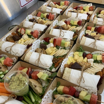 Sandwiches, Wraps and Lunch Packs for One