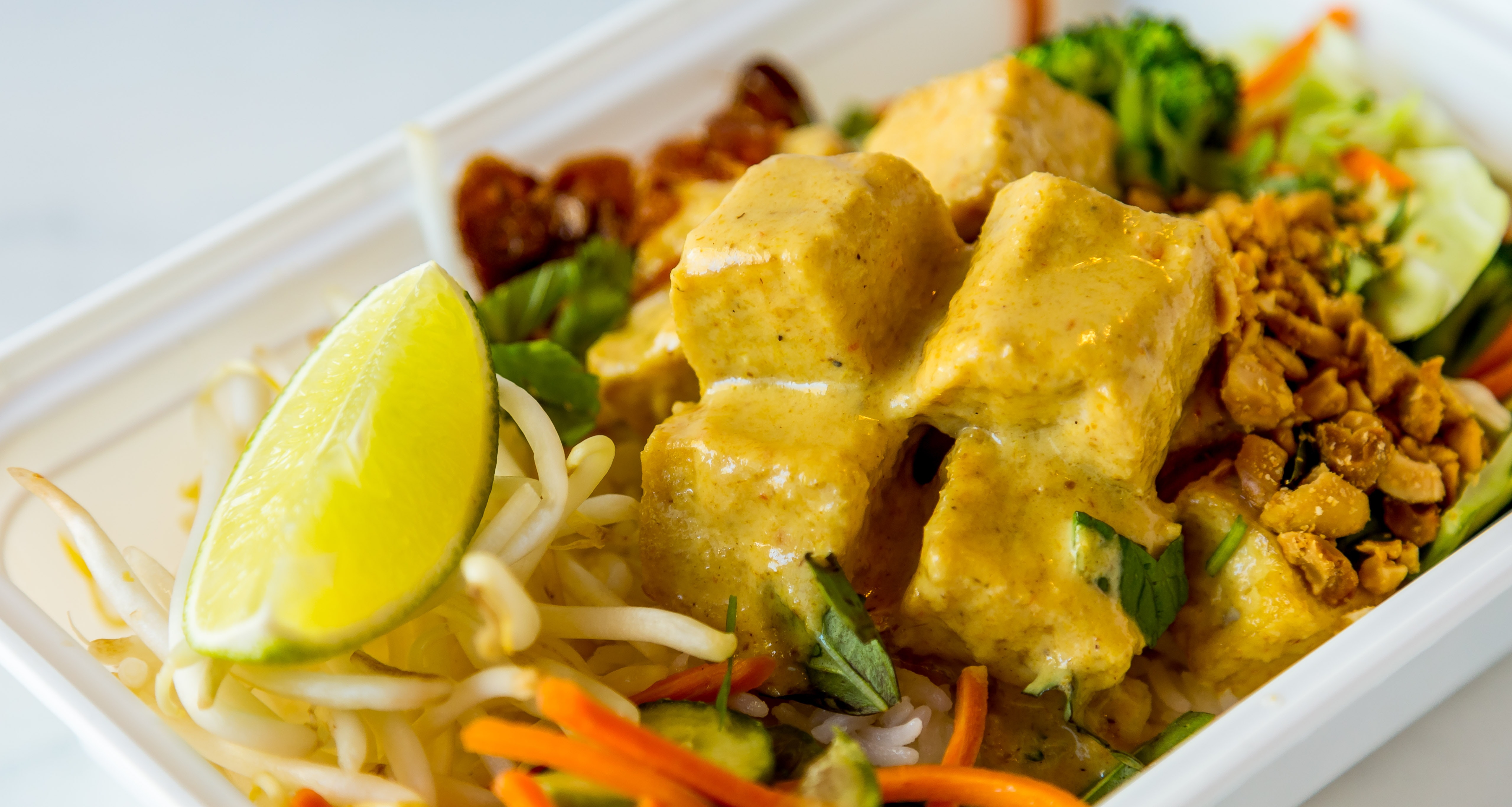Chilled Entrée Box: TOFU - Coconut Curry